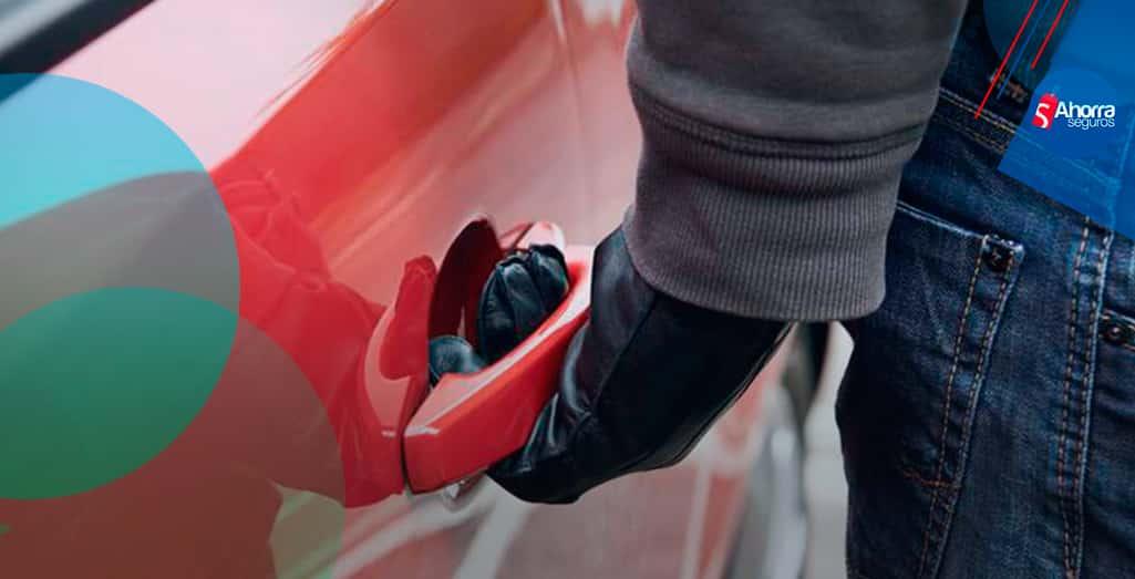 cuatro autos más robados