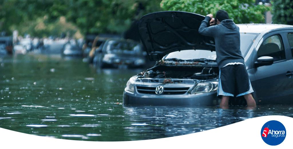 Seguro de auto cubre inundaciones