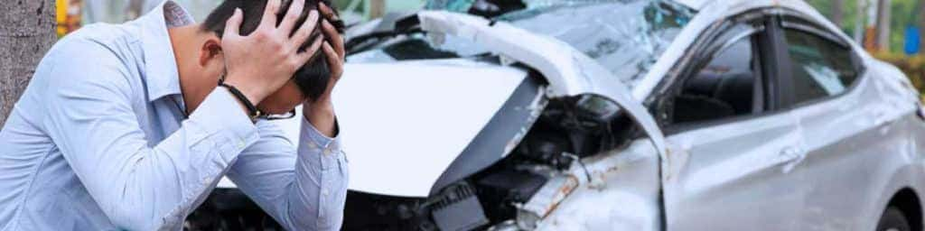 ¿Qué riesgos excluyen las coberturas de seguro de auto?