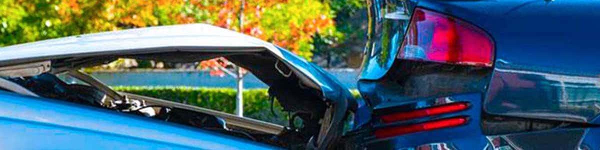 ¿Qué hacer si te chocan el auto estacionado?